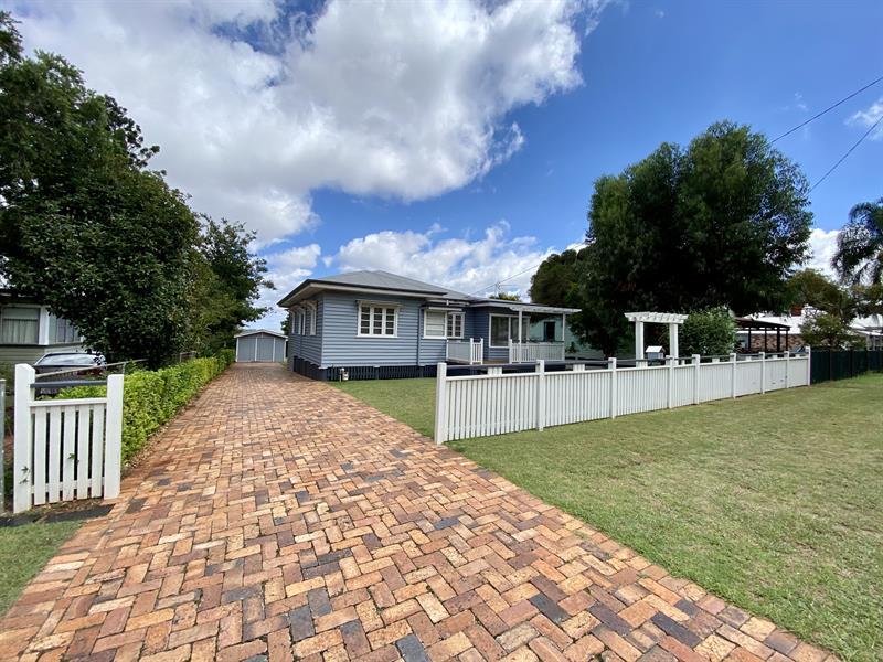 7 Francis Street North Toowoomba QLD 4350