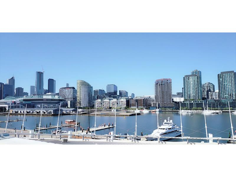 513/8 Pearl River Rd Docklands VIC 3008