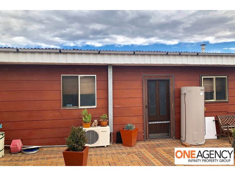 8A Windsor Street Macquarie Fields NSW 2564