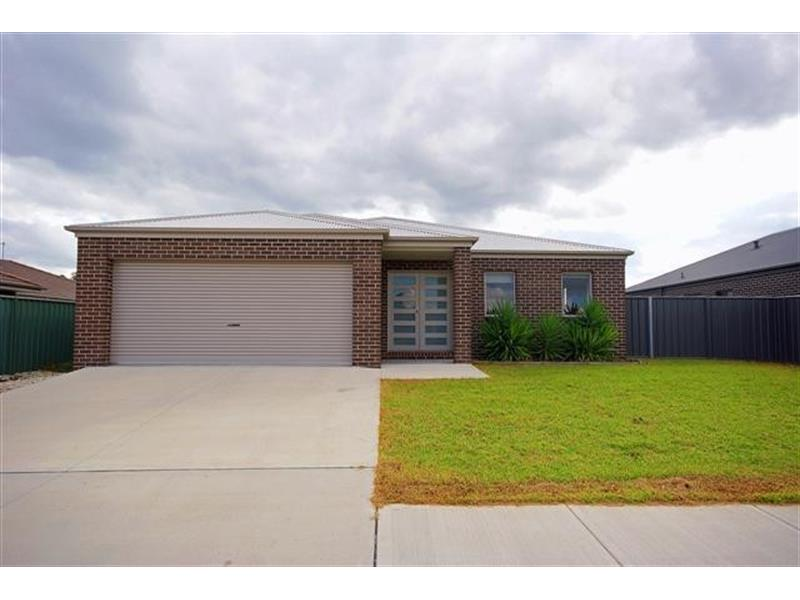 260 Rivergum Drive East Albury NSW 2640